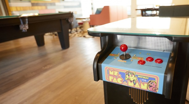Game Room - Pac-Man